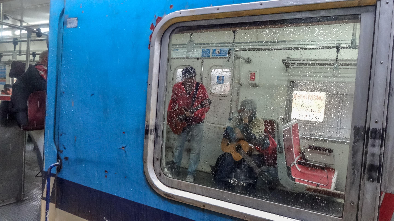 Jedna z kapel w pociągu